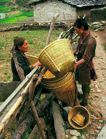 Basket peddler